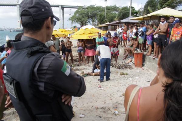 Beatriz da Silva Andrade desapareceu na tarde de ontem, na praia do Forte