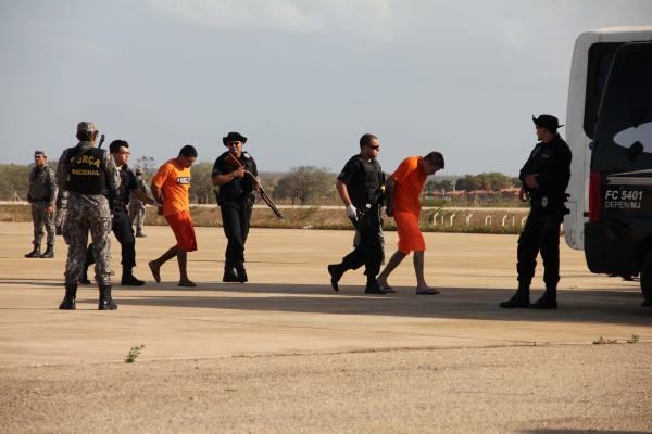 No total, 37 detentos foram transferidos para Mossoró