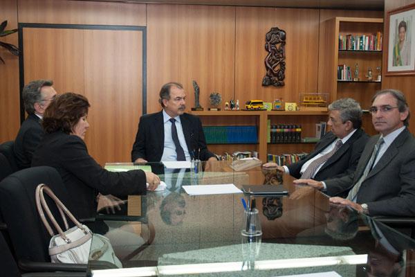 Aloízio Mercadante recebeu ministro Garibaldi Filho e representantes do seminário Motores do Desenvolvimento do RN