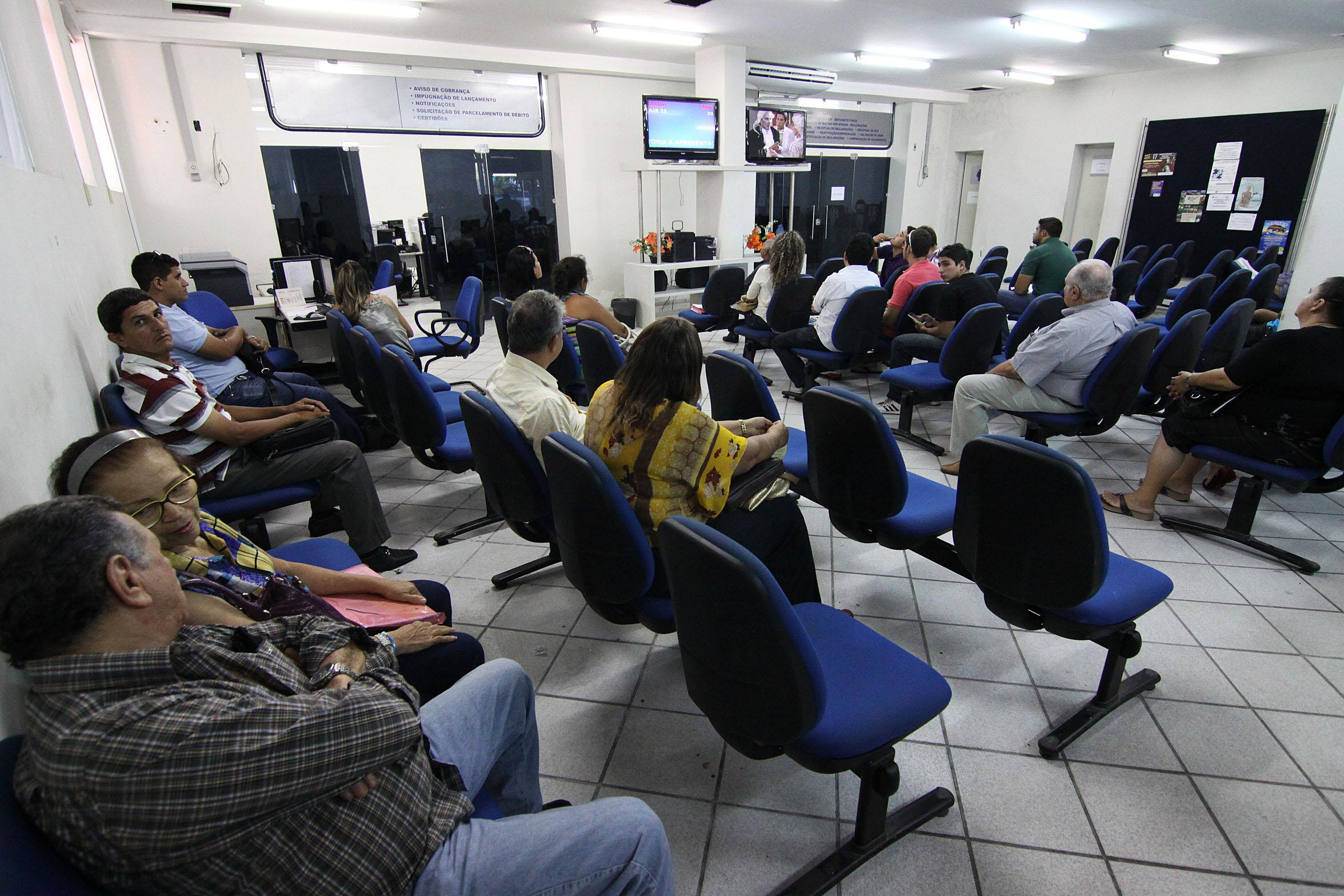 Área de atendimento da delegacia da Receita Federal em Natal: Expectativa é receber 250,5 mil declarações no Estado, este ano