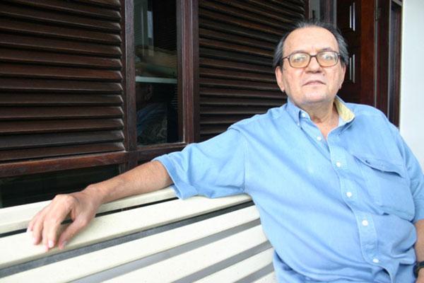 O poeta Paulo de Tarso Correia de Melo fará saudação para leitura de Thiago de Mello