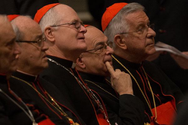 D. Odilo Scherer, ao lado de D. Raymundo Damasceno e Geraldo Majella Agnelo, é forte candidato a ocupar o Trono de São Pedro