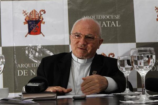 D. Jaime, na entrevista convocada logo após anúncio do nome de Bergoglio: surpresa e alegria pela escolha de um papa latino-americano