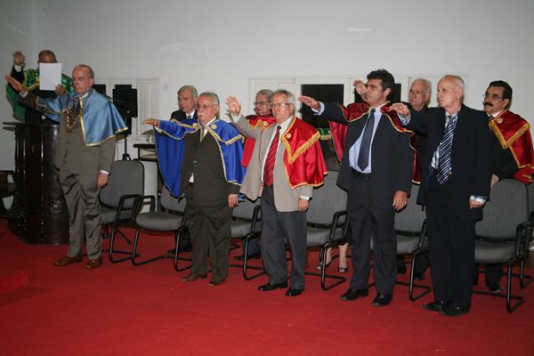 Nova diretoria assume compromisso com a modernização
