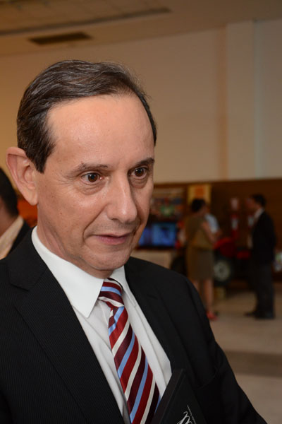 O presidente da TAP diz o que considera negativo do evento e critica o endividamento público para realizar a Copa do Mundo