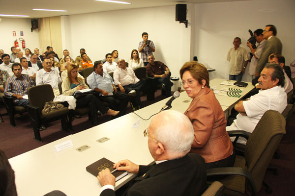 Governadora anuncia medidas em reunio do Comit da seca