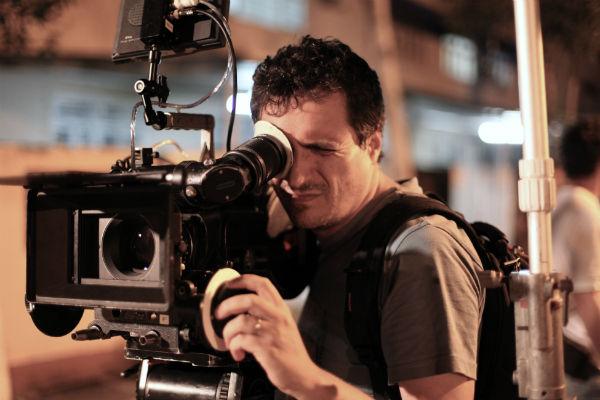 Experiente diretor de curtas, Kleber Mendonça Filho estreou em longas-metragens com O Som ao Redor