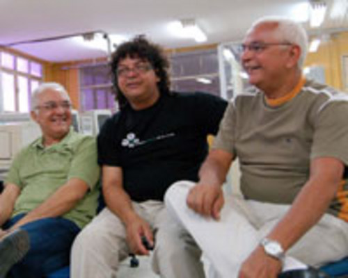 EM FAMÍLIA - Babal, João, Galvão Filho e Eri se reúnem para contar e cantar um pouco do universo musical em que foram criados