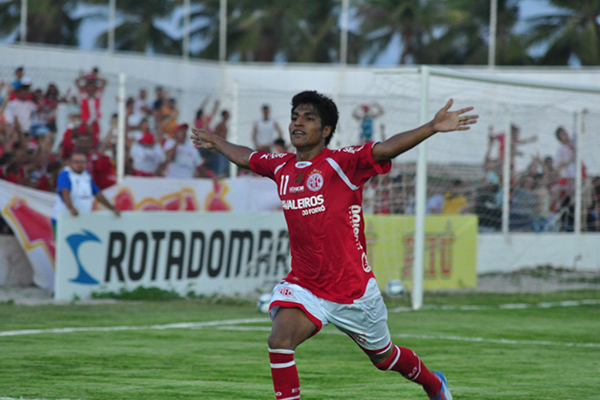 Índio Oliveira marca o primeiro gol do América em cima do Alecrim