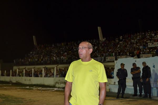 Neto Maradona sabe que a tarefa não será fácil, mas pede aos jogadores para manter a confiança