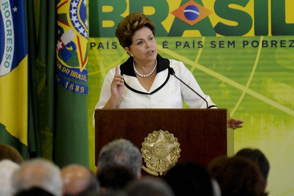 Dilma Rousseff está empenhada nas negociações para que o PTB fique na coligação dos partidos que vão apoiar a reeleição