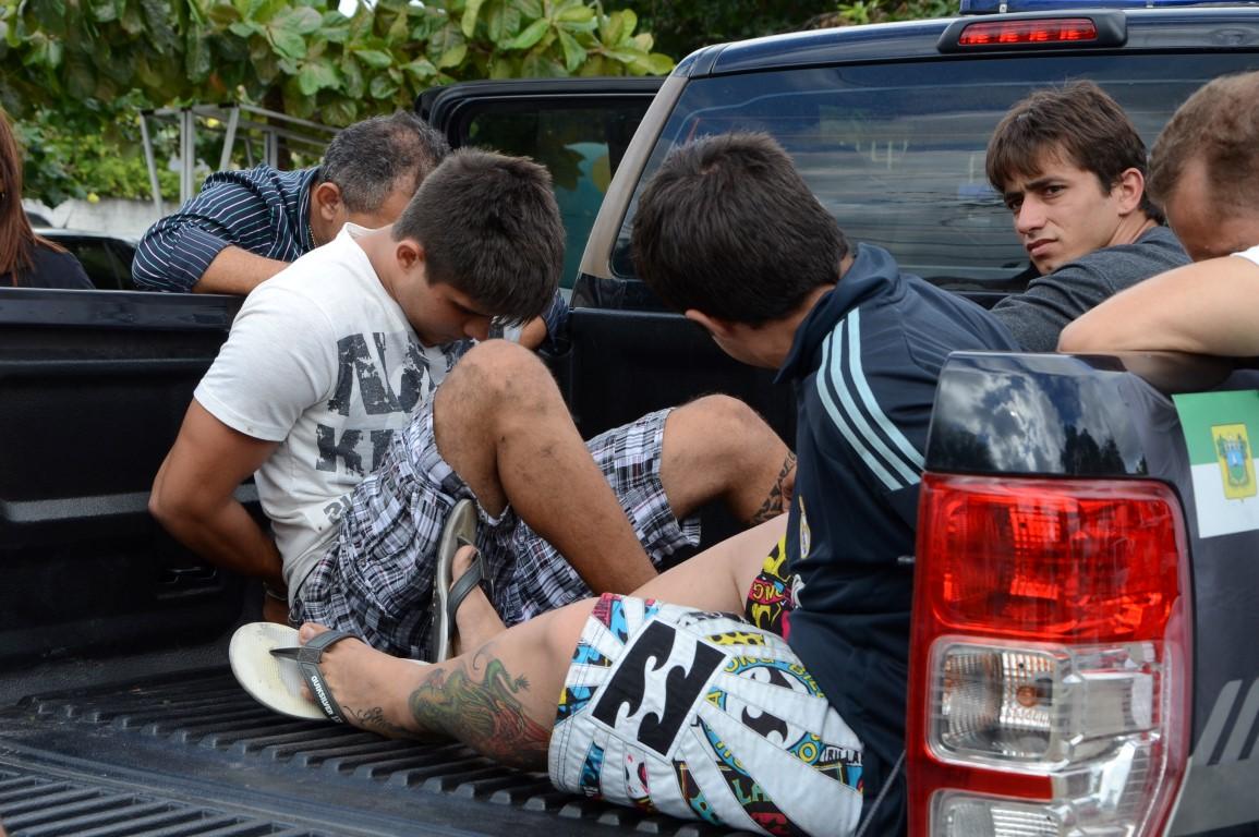 Polícia Civil prendeu ontem os cearenses acusados de tráfico de drogas
