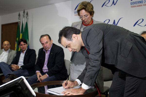 Secretaria de Recursos Hídricos, comandada por Leonardo Rego, ficará à frente das obras da barragem de Oiticica