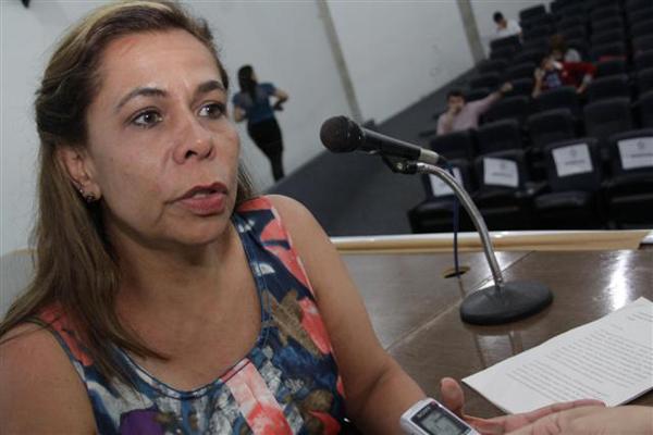A colombiana Mônica Baquero é comunicadora social há 25 anos. Trabalhou em agências de propaganda na Colômbia e depois enveredou pela docência. Fez mestrado em Comunicação e atualmente é presidente da Rede Latino-Americana de Investigadores em Publicidade. Na Colômbia, Mônica é coordenadora do Observatório de Tendência de Consumo entre Adolescentes e Jovens.