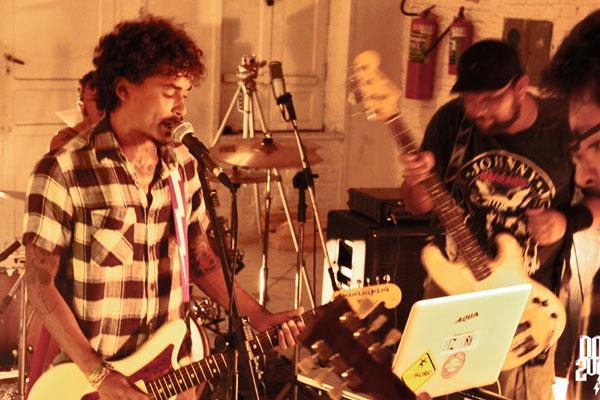 O rock toma conta do Centro Cultural DoSol a partir das 18h, com atrações como a banda The Sinks