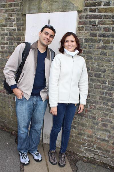 O casal potiguar Fred Santos e Karla Larissa no Meridiano Zero (Inglaterra) a viagem de volta ao mundo
