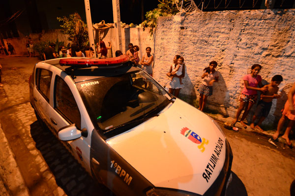 Durante o percurso a equipe encontrou uma viatura policial em Mãe Luiza
