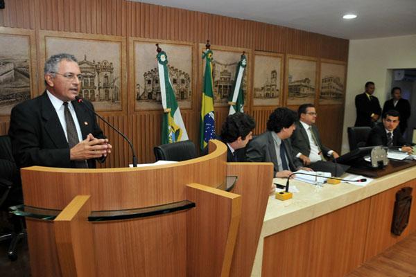 Vereadores discutem a proposta que define critérios