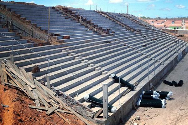 Estádio ainda segue em obras e precisa de todas as licenças