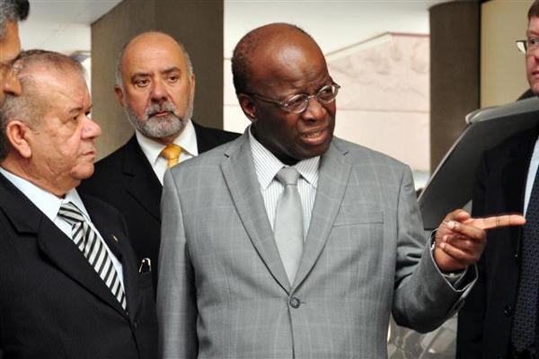 Ministro Joaquim Barbosa, atual presidente do STF, foi relator do processo e defende punição severa