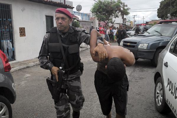 Quadrilha foi encontrada no bairro das Rocas após denúncia