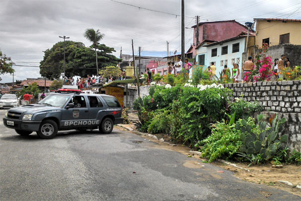 A Polícia cercou a quadrilha no bairro das Rocas após denúncia