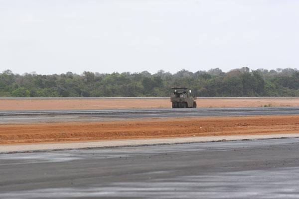 O Aeroporto de São Gonçalo do Amarante está com a pista de pouso concluída e o terminal de carga e passageiros está em obra. A expectativa é que a estrutura comece a operar em abril de 2014