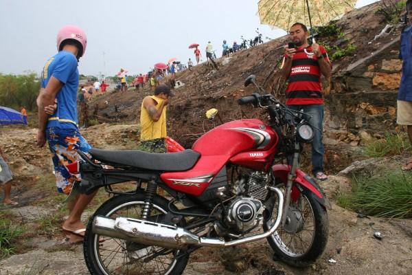 Vítimas do acidente estavam nesta moto, saindo do município de Tangará