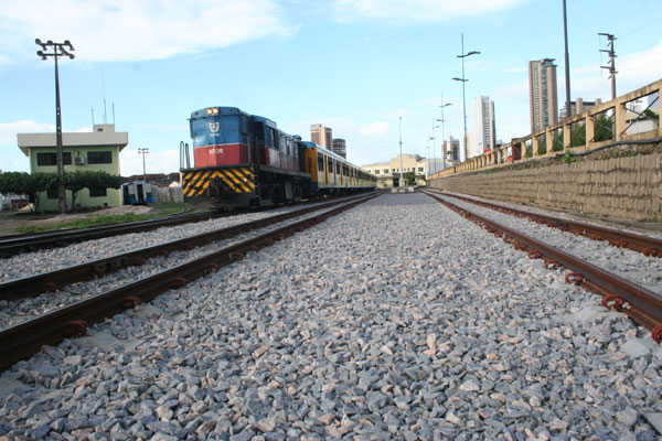 Dos 56 km da malha férrea, até agora foram recuperados dois quilômetros, segundo a CBTU