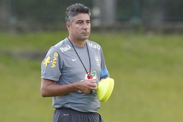 Coordenador da base da Seleção, Alexandre Gallo confirmou a construção dos CTs de formação