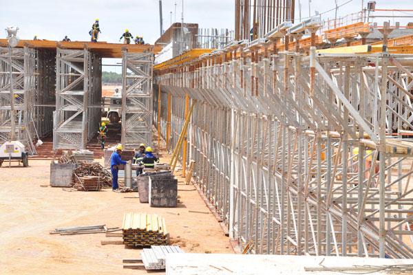 A previsão do fim de abril é de que o aeroporto de São Gonçalo do Amarante comece a funcionar entre março e abril de 2014