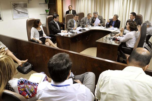 A comissão aprovou o projeto encaminhado pelo Estado, mas reduziu o percentual de contratação de 20% para 10% do efetivo