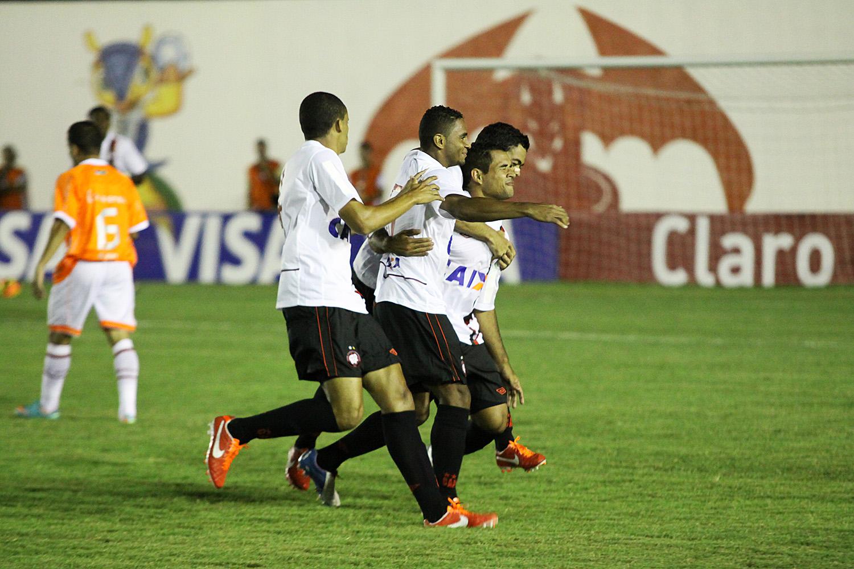 O Atlético Paranaense venceu a partida de estreia do Barretão