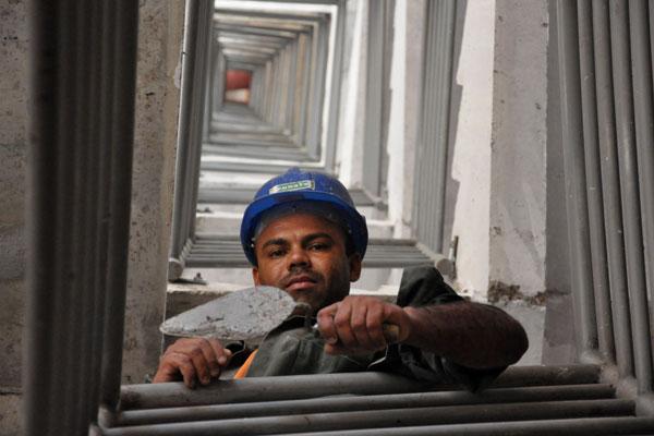José Wilson Fernandes, pedreiro: Ensino fundamental incompleto não é empecilho no trabalho