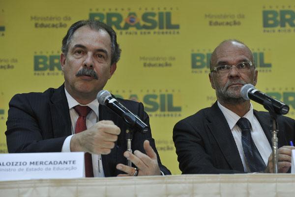 Mercadante e Cláudio Costa: medidas de segurança para garantir sigilo e lisura das provas que serão aplicadas em outubro