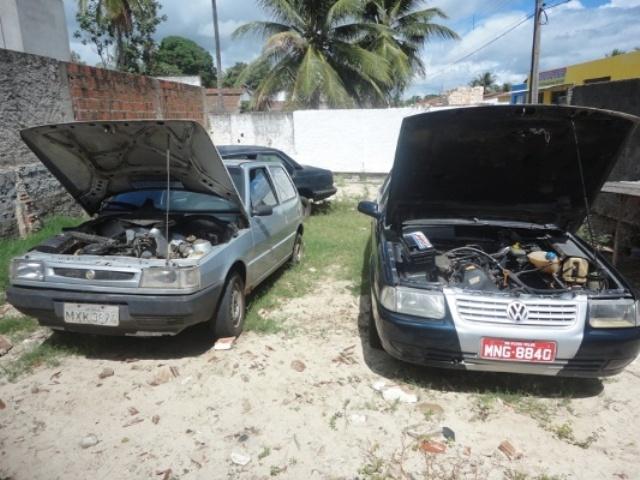 O nome Lata Velha foi dado porque os carros são velhos e desgastados