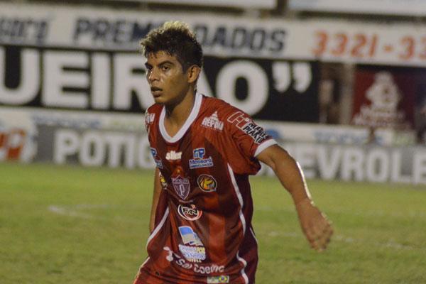 O meio-campo Vaninho, do Potiguar, rebateu as acusações do técnico do América, Roberto Fernandes