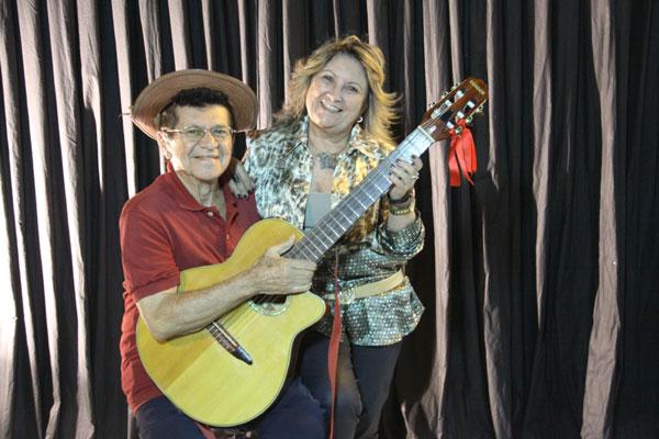 Paulo Tito e Leide Câmara durante gravação no Estúdio TN