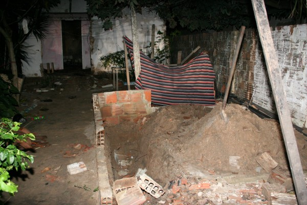 Vala onde o corpo de Edilma foi encontrado em Nova Natal