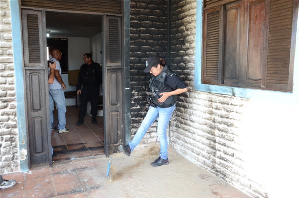 Dinorá Simas, diretora de Alcaçuz, esteve na casa onde aconteceu a tentativa de incêndio