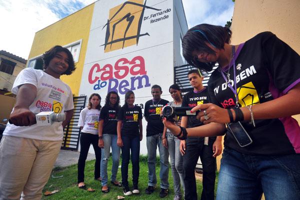 Em Mãe Luiza, grupo de jovens criaram TV transmitida pela net