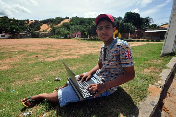 Paulo Silva tem um blog sobre o bairro Guarapes, onde mora
