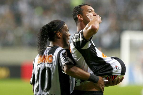 O zagueiro Réver foi o autor do gol que garantiu o Atlético Mineiro nas semifinais da competição
