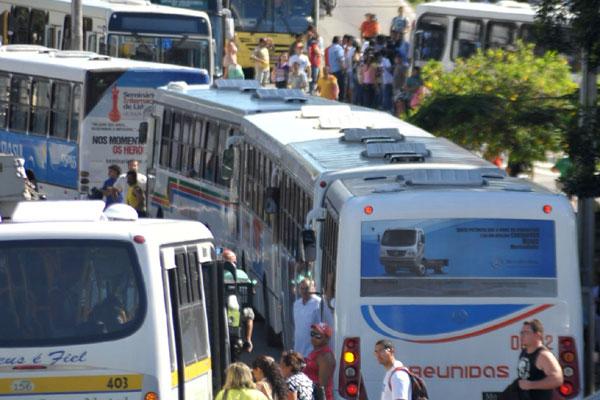 Tarifa de ônibus não agradou empresários e sindicatos