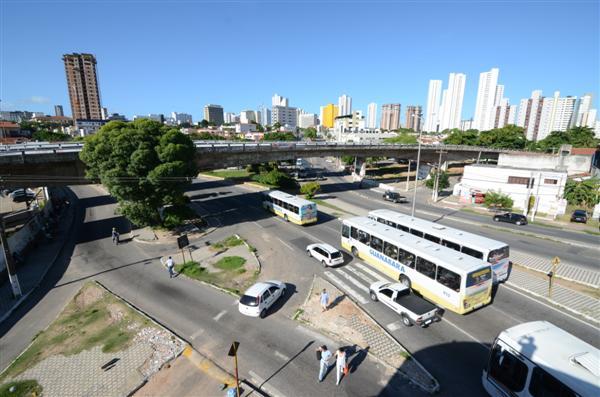 O Viaduto do Baldo está interditado judicialmente para trânsito de veículos desde o dia 4 de outubro de 2012