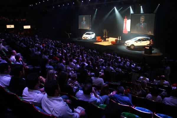 Fórum Empresarial do RN reuniu cerca de 1,4 mil pessoas, entre empresários, estudantes e gestores, ontem, no Teatro Riachuelo