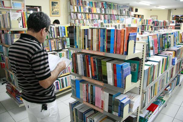 Se aprovada, a lei vai determinar que livrarias locais dediquem 2,5 por cento de suas prateleiras (em destaque) a obras de autores potiguares