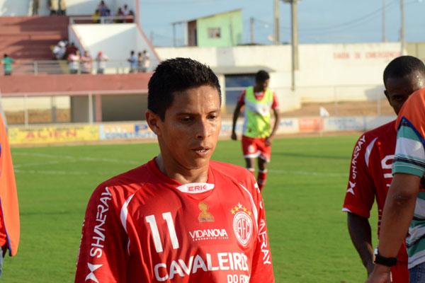 Cléo se recuperou de uma lesão no pé e será mais uma opção para o treinador Roberto Fernandes