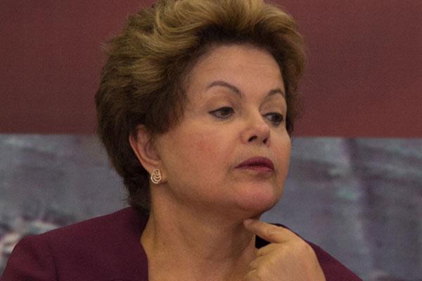 Com discurso preparado, Dilma se mostra favorável a protestos