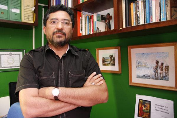 Alípio de Souza: Os governantes devem orientar as forças policiais a atuarem sem violência